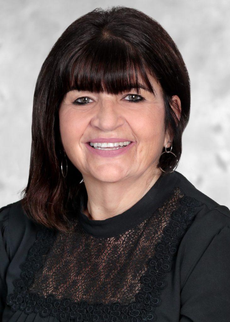 Lori Moniz Headshot